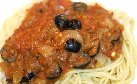 Espaguetis a la puttanesca