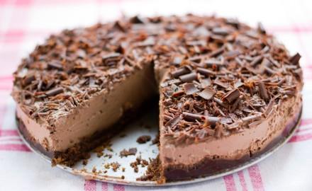 Pastís de mousse de xocolata sencer