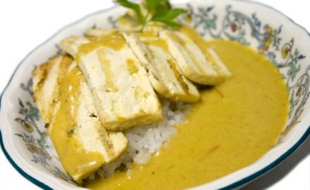 Filets de tofu amb curry